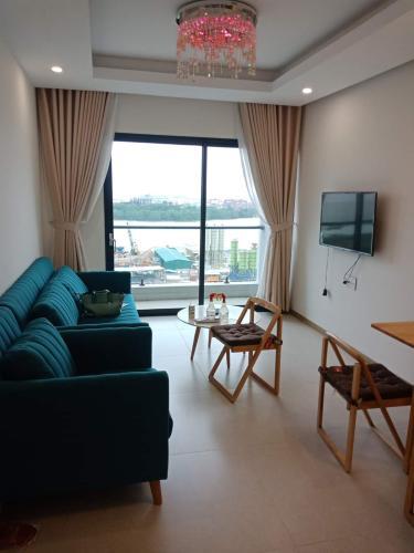 Căn hộ tầng 12 New City Thủ Thiêm nội thất đầy đủ, view sông mát mẻ