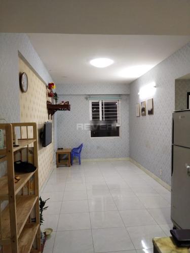 Căn hộ Sky 9 tầng 7 cửa hướng Nam thoáng mát, đầy đủ nội thất.