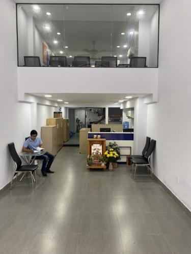 Tòa nhà kinh doanh kết cấu 1 trệt 4 lầu diện tích 80m2, không có nội thất.