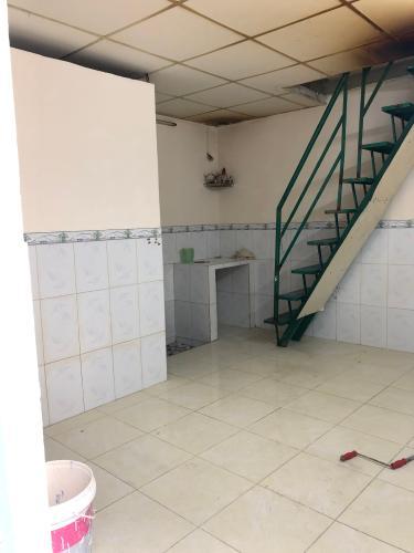 Phòng khách + bếp Nhà phố Quận 6 diện tích sử dụng 52.4m2, sổ hồng riêng.