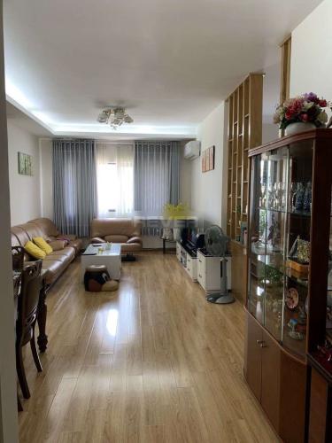 Căn hộ Era Town tầng cao, bàn giao nội thất đầy đủ tiện nghi.