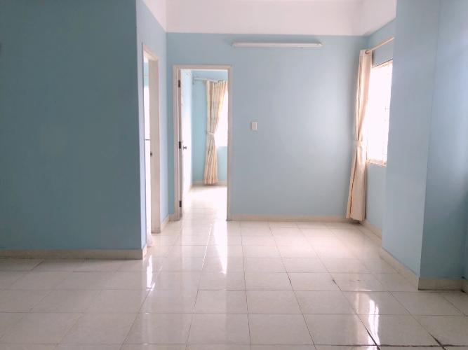 Phòng khách căn hộ Tân Thịnh Lợi, Quận 6 Căn hộ Tân Thịnh Lợi tầng 4 view thoáng mát, không nội thất.