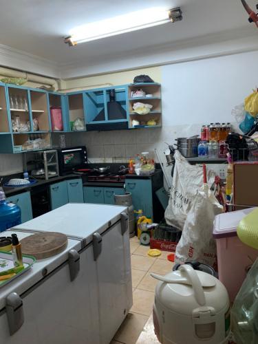 Phòng bếp nhà phố Nhà phố diện tích đất 49m2 hướng Đông Nam, đường xe hơi.