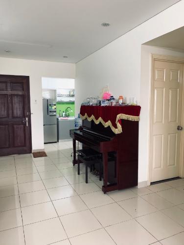 Căn hộ chung cư Bàu Cát 2 view thành phố, đầy đủ nội thất.