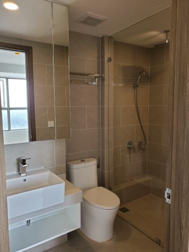 Phòng tắm River Panorama, Quận 7 Căn hộ tầng trung River Panorama view thành phố, chưa bàn giao.