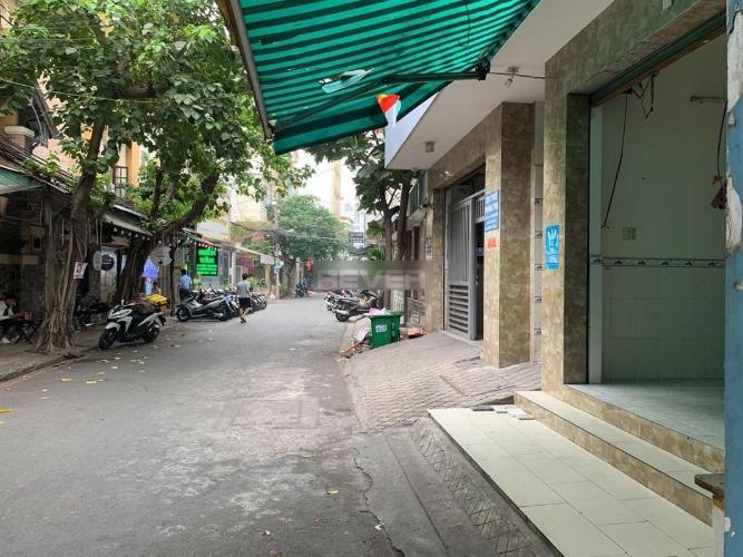Mặt bằng kinh doanh Quận Tân Bình Mặt bằng kinh doanh đường Cộng Hòa diện tích 36m2, không nội thất.