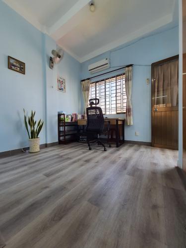 Căn hộ tầng 5 Đông Diều cửa hướng Đông Nam, đầy đủ nội thất.
