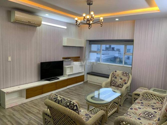 Căn hộ Oriental Plaza diện tích 103m2, bàn giao đầy đủ nội thất.
