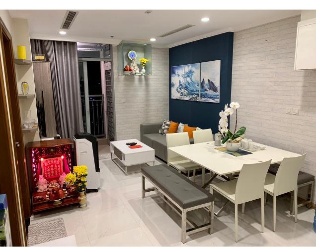 Phòng khách Vinhomes Central Park Căn hộ Vinhomes Central Park tầng cao, view hướng nội khu thoáng mát.