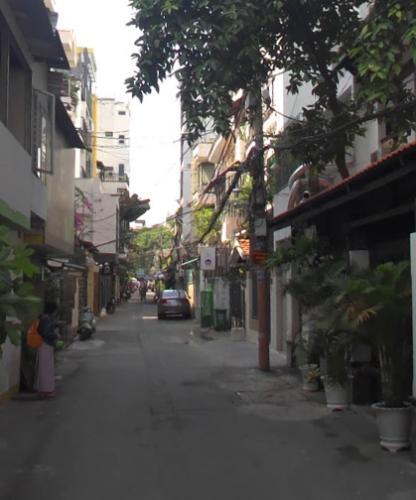 Nhà phố Quận 1 Nhà phố kết cấu 1 trệt 2 lầu kiên cố, khu dân cư đông đúc.