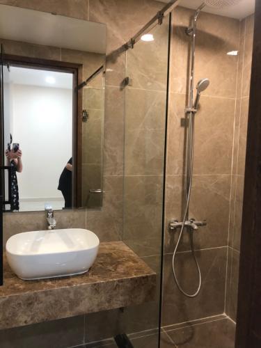 Phòng tắm căn hộ Park Legend, Tân Bình Căn hộ Park Legend cửa hướng Đông view thành phố thoáng mát.