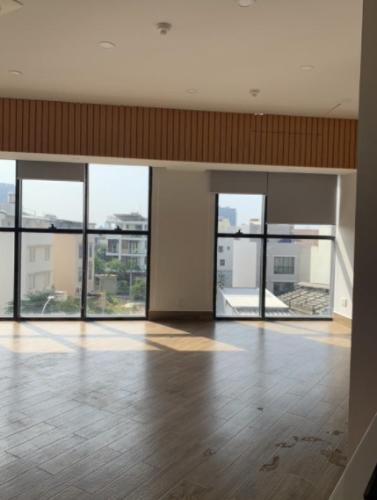 Căn Officetel The Sun Avenue tầng thấp, view đón nắng và gió mát mẻ.