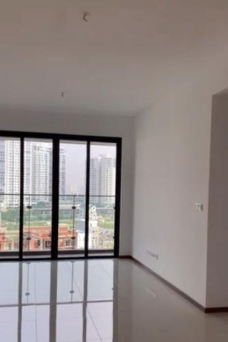 Căn hộ One Verandah tầng 8 view sông mát mẻ, nội thất cơ bản.