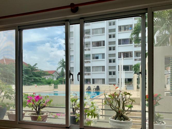 View căn hộ chung cư Mỹ Khang Căn hộ chung cư Mỹ Khang tầng thấp view nội khu, hướng Tây.