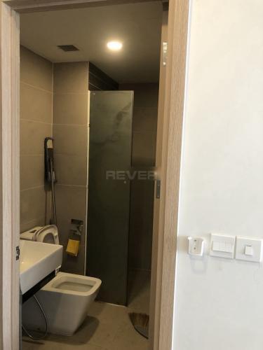 Phòng tắm officetel Sunrise Cityview Căn hộ Officetel Sunrise City View tầng cao hướng thành phố sầm uất.