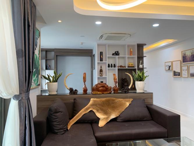 Căn hộ Saigon South Residence tầng 18 nội thất đầy đủ tiện nghi.