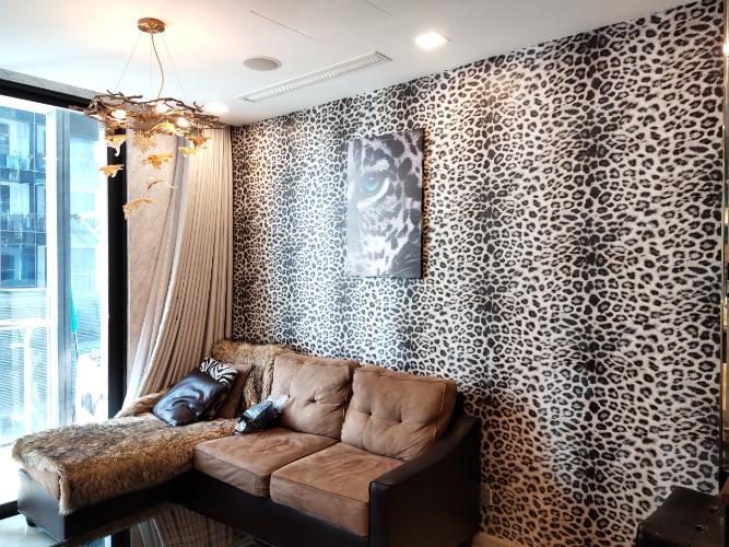 Căn hộ 1 phòng ngủ Vinhomes Golden River đầy đủ nội thất, tầng trung