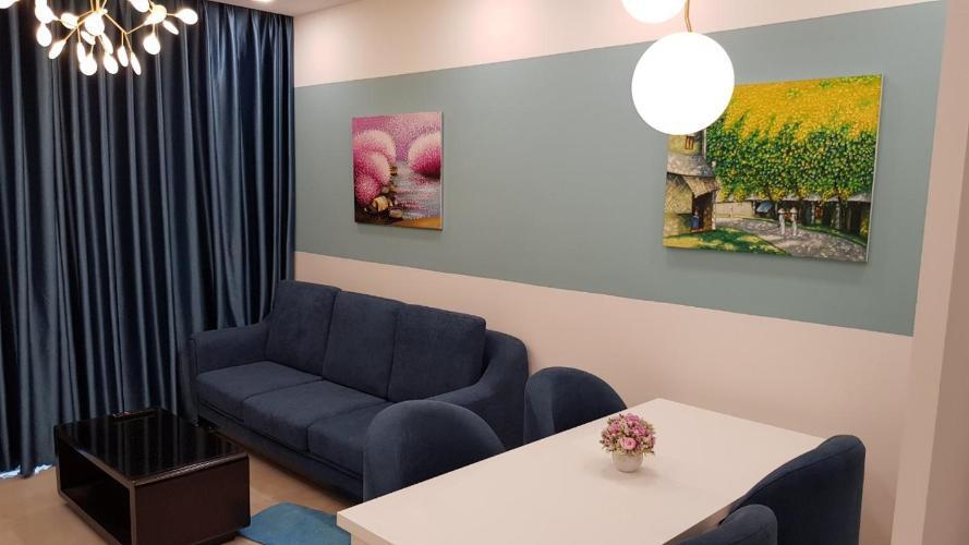 Căn hộ Vinhomes Golden River đầy đủ nội thất tiện nghi, tầng cao.