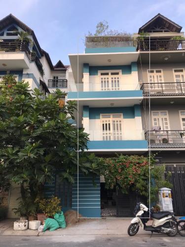 Nhà phố đường Cao Lỗ diện tích sử dụng 254m2, nội thất cơ bản.