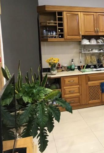 Phòng bếp nhà phố Quận Tân Bình Nhà phố Q.Tân Bình diện tích 55.3m2, bàn giao kèm nội thất cơ bản.