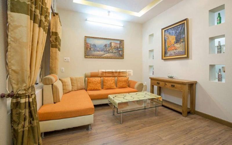 Căn hộ chung cư Lý Văn Phức đầy đủ nội thất, hưuóng Tây Bắc.