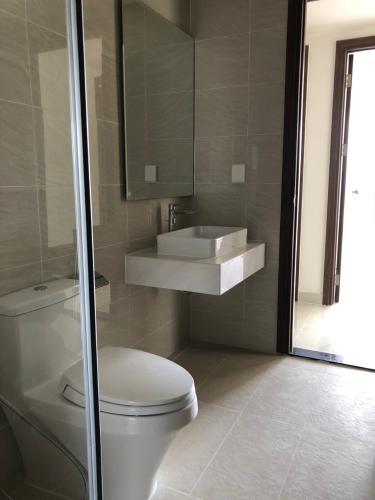 Phòng tắm căn hộ Saigon Royal, Quận 4 Căn hộ tầng 10 Saigon Royal view hướng thành phố thoáng đãng.