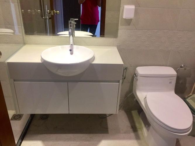 Phòng tắm Vinhomes Central Park Căn hộ Vinhomes Central Park nội thất đầy đủ, view đón gió.