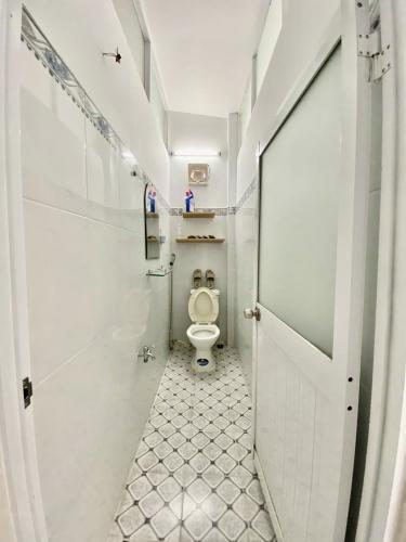 Phòng tắm nhà phố Nguyễn Văn Công, Gò Vấp Nhà phố hướng Đông Bắc, căn ngay góc hẻm 2 mặt tiền.