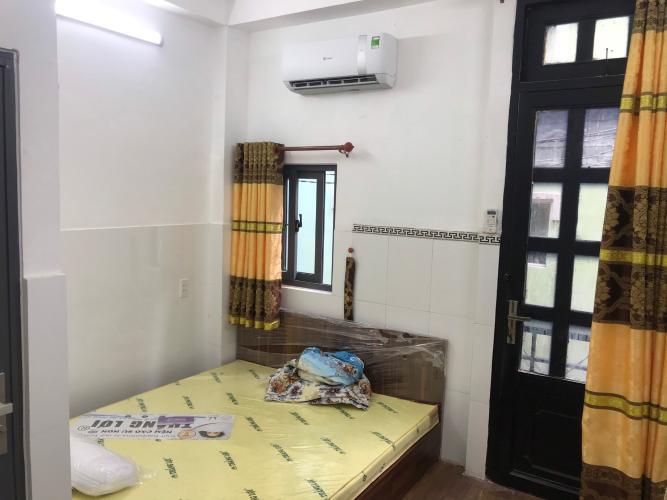 Phòng ngủ nhà phố Quận 3 Bán nhà đường hẻm Trương Định, cách Bệnh viện Mắt TP.HCM 400m, sổ hồng đầy đủ.