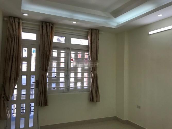 Phòng ngủ nhà phố Trần Văn Đang, Quận 3 Nhà phố hướng Đông Nam, trước nhà hẻm nhỏ an ninh, yên tĩnh.
