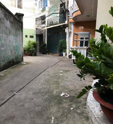 Hẻm nhà phố Nguyễn Thượng Hiền, Phú Nhuận Nhà phố hẻm hướng Tây Nam, có sân trước rộng rãi, bàn giao sổ hồng.