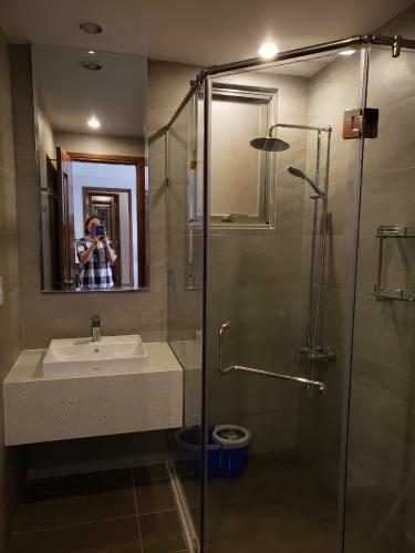 Phòng tắm Happy Residence Quận 7 Căn hộ Happy Residence view thành phố, đầy đủ nội thất.