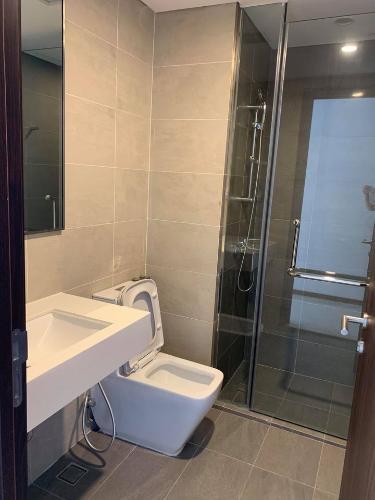 Toilet One Verandah Quận 2 Căn hộ One Verandah tầng trung hoàn thiện cơ bản, view thành phố.