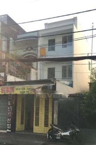 Nhà phố kết cấu 1 trệt 2 lầu diện tích 47m2, cách chợ Tân Bình chỉ 700m.