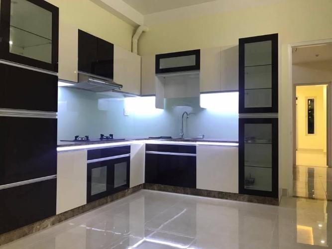 Phòng bếp nhà phố Quận Phú Nhuận Nhà phố Quận Phú Nhuận hướng Đông thoáng mát, nội thất cơ bản.