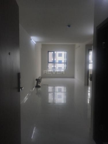 Căn hộ tầng 8 Green River nội thất cơ bản, view nội khu hồ bơi.