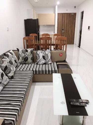 Căn hộ D-Vela tầng trung, nội thất đầy đủ.