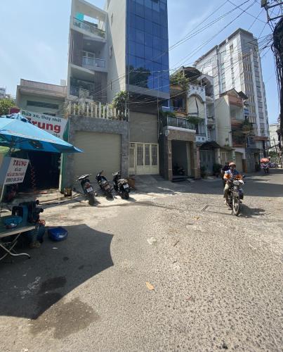 Hẻm nhà phố Tô Hiến Thành, Quận 10 Nhà phố mặt tiền hẻm hơn 9m, nội thất đầy đủ.