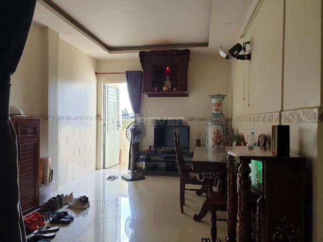 Căn hộ Huỳnh Văn Chính 2 diện tích 79m2, nội thất cơ bản.