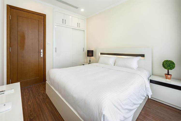 phòng ngủ căn hộ Vinhomes Central Park Căn hộ Vinhomes Central Park đầy đủ nội thất, hướng Tây Nam.