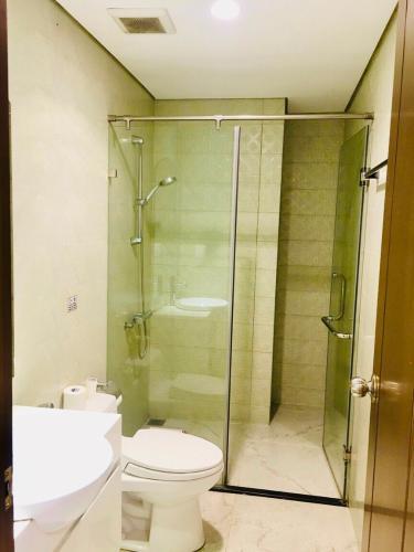 Căn hộ Vinhomes Central Park Bình Thạnh Căn hộ Vinhomes Central Park tầng 26 nội thất đầy đủ, ban công hướng Đông Nam