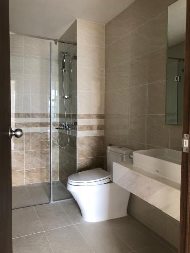 Phòng tắm căn hộ Saigon Royal Căn hộ Saigon Royal 2 phòng ngủ cửa hướng Đông Nam, view Bitexco.
