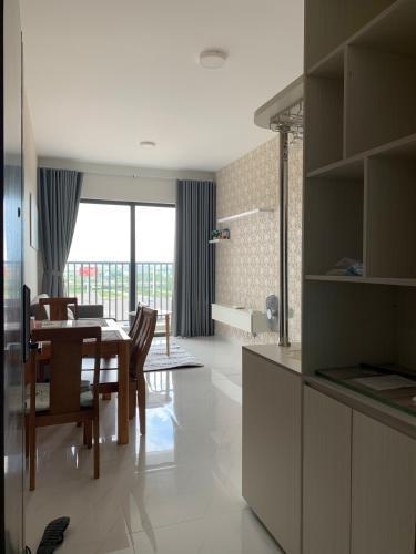 Phòng khách căn hộ Safira Khang Điền Căn hộ tầng 10 Safira Khang Điền bàn giao đầy đủ nội thất.