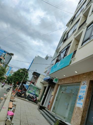 Đường trước mặt bằng kinh doanh Quận Tân Phú Mặt bằng kinh doanh đường diện tích 110m2, khu dân cư sầm uất, hiện hữu.