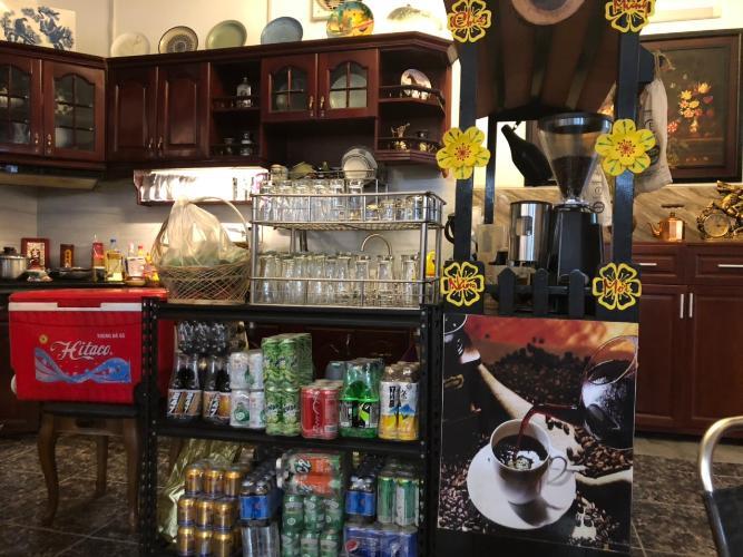 Phòng bếp nhà phố Mai Văn Ngọc, Phú Nhuận Nhà mặt tiền Phú Nhuận, diện tích rộng, nội thất cơ bản.