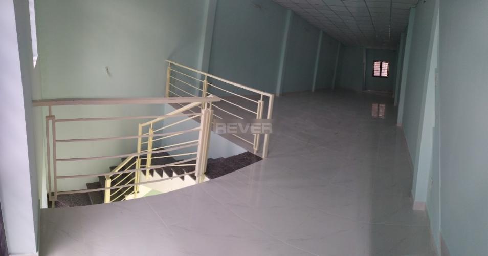 Tầng trên nhà phố Thảo Điền, Quận 2 Nhà phố mặt tiền khu Thảo Điền, hướng Đông, rộng 120m2.