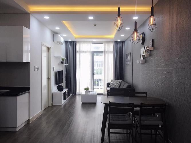 Căn hộ Luxcity đầy đủ nội thất, ban công thoáng mát.