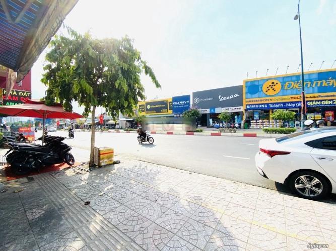 Mặt bằng kinh doanh Quận 9 Mặt bằng kinh doanh đường Lê Văn Việt, kết cấu 1 trệt 1 lầu.