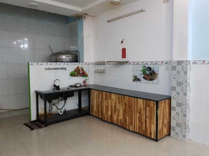 Phòng bếp nhà phố Quận Bình Tân Nhà phố mặt tiền đường số 4 diện tích sử dụng 320m2, nội thất cơ bản.