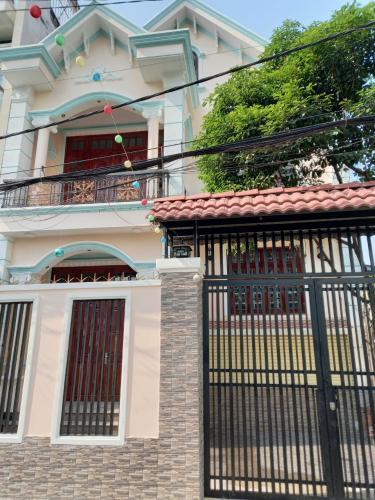 Mặt tiền nhà phố Quận Gò Vấp Nhà phố thiết kế hiện đại với 2 tầng kiên cố, diện tích 132.7m2.